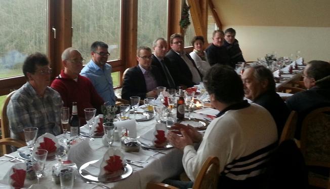 CDA & DGB & Betriebsräte bei einer Diskussion am Tisch