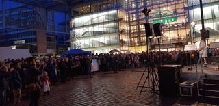 """Friedenstag, Frieden im Dialog"""", 18.00 Uhr auf dem Neumarkt."""