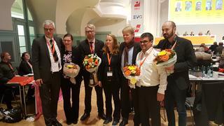 DGB Vorsitzender Reiner Hoffmann mit dem frisch gewählten Erweiterten Geschäftsführenden Bezirksvorstand  in Sachsen.