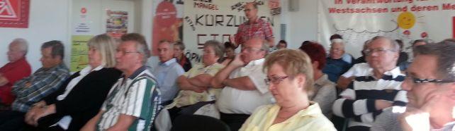 Kollege Bernd Rudolph (GDP) spricht aus dem Publikum