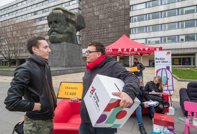 Bei der Aktion am 26.3.2019 vorm Nischl in Chemnitz.