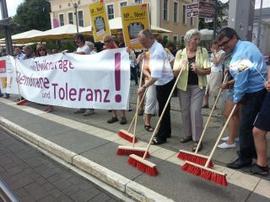 Aktion Runder Tisch Plauen gegen NPD Wahlveranstaltung.