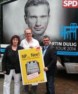 Landtagskandidat Jörg Vieweg (SPD) aus Chemnitz mit der Stadtverbandsvorsitzenden des DGB Gaby Hahn und Regionsgeschäftsführer Ralf Hron.