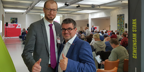 Oliver Greie (ver.di SAT) und Ralf Hron (DGB SWS)